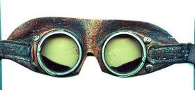 Foto 2 Brille eines Kradschützen.