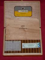 Foto 2 COHIBA Esplendidos 25 Stück in Zedernholzkiste