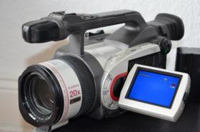 Foto 2 Canon XM1