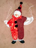 Clown mit Rotem-Muster==Siehe: