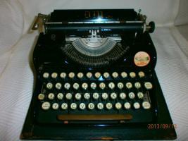DM mechanische Schreibmaschine