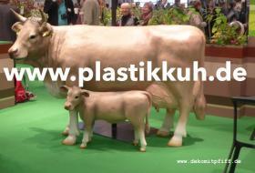 Foto 2 Deko Kuh mit Deko Kalb oder ein Deko Bulle oder eine andere Deko Figur ….?
