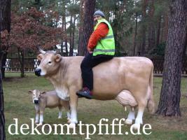 Deko Kuh lebensgross mit Deko Kalb ...