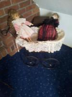 Deko Puppenwagen mit 2 Puppen