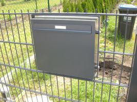 Briefkaste in Zaunfeld