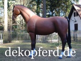 Foto 2 Du wüst Dir von deinen Gatten zum geb. ein Deko Pferd … ok. und welches Deko Pferd - Modell ...