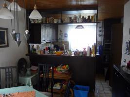 Foto 2 Echtholzküche mit Theke