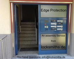 Edge protection for the stairwell. An assembly service for the district of Kaiserslautern.