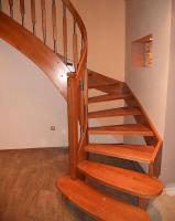 Foto 2 Eiche Esche Ahorn Buche Holztreppe aus Polen Tischlerei Tischler