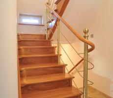 Foto 4 Eiche Esche Ahorn Buche Holztreppe aus Polen Tischlerei Tischler