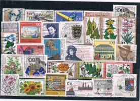 Ein Briefmarken - Sortiment .