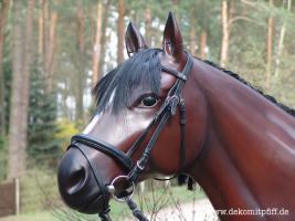 Foto 3 Ein Deko Pferd vor Ihrer Fenster im Garten … www.dekopferd.de