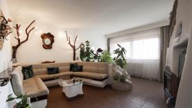 Foto 7 Ein Familienhaus für mehrere Generationen ist bei Budapest zu verkaufen.
