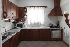 Foto 10 Ein Familienhaus für mehrere Generationen ist bei Budapest zu verkaufen.