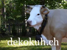 Foto 2 Eine Deko Kuh oder doch eine andere Deko Figur als Blickfang ….