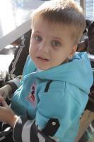 Einen Junge (4,3 Jahre alt) braucht dringend Hilfe!