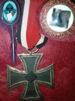 Eisernes Kreuz und andere Abzeichen - original!!!