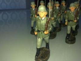 Foto 2 Elastolin Wehrmachtssoldaten!!!Achtung Dachbodenfund!!!