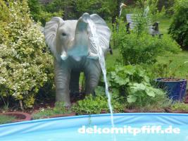 Foto 3 Elefant als Wasserspiel für Ihren Pool …. www.dekomitpfiff.de ...