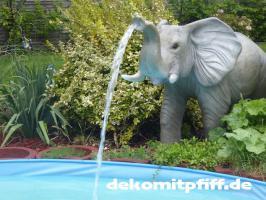 Foto 4 Elefant als Wasserspiel für Ihren Pool …. www.dekomitpfiff.de ...