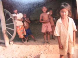 Elendskinder in Kambodscha bitten um Hilfe