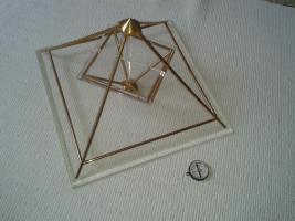 Foto 2 Energiepyramide Modell A Kyborg Institut--- TOP ZUSTAND--WIE NEU