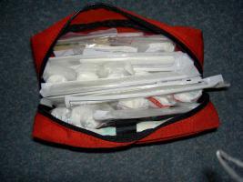 Foto 2 Erste Hilfe Tasche der JUH - bis 06/2014 verwendbar