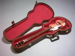 Foto 3 Exklusiv Miniaturgitarre Köcher + Standard