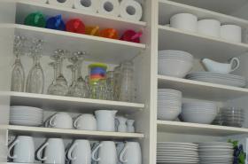 Küchenausstattung für 12 Pers. mit hochwertigen Töpfen & Pfannen