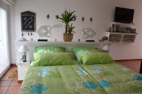 Doppelbett 1.80x2.00m mit hochwertigen Matratzen & Matratzenschutz