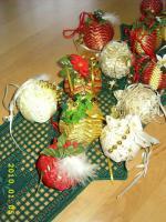 Foto 4 Exklusive Weihnachtsbaumkugeln + Spitze, jede Kugel handgearbeitet