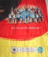 Foto 3 Fahne 80x120 cm Bitburger mit Fußball-Nationalmannschaft 2006  NEU