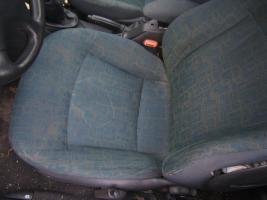 Fahrersitz mit Seitenairbag und Gurt für Fahrerseite gesucht.
