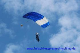Foto 5 Fallschirmspringen Gutschein Geschenk Bayern Dingolfing Landshut