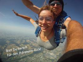 Foto 4 Fallschirmspringen Tandemsprung Bayern Gutschein 6000m