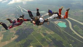 Fallschirmsprungausbildung, Schnupperkurse, Wingsuitausbildung