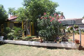 Foto 2 Ferienhaus mit 3 Ferienwohnungen in Valbandon bei Pula bis zu 12 Personen
