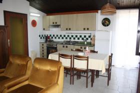 Foto 7 Ferienhaus mit 3 Ferienwohnungen in Valbandon bei Pula bis zu 12 Personen
