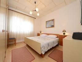 Foto 2 Ferienhaus bis zu 8 Personen in Lukoran auf der Insel Ugljan in Dalmatien, Region Zadar, 4 Schlafzimmer
