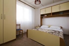 Foto 6 Ferienhaus bis zu 8 Personen in Lukoran auf der Insel Ugljan in Dalmatien, Region Zadar, 4 Schlafzimmer