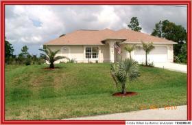 Ferienhaus in Florida, am Kanal, 20 Minuten vom Strand entfernt