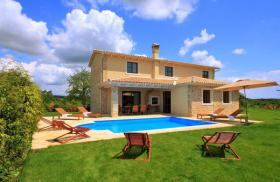 Ferienhaus mit Pool fur 6+2 Personen RABATT FUR SOMMER 2012