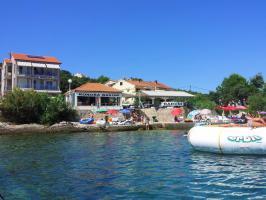 Privatvermietung Baroni mit Strandsteg und Kai Insel Iz In Mali Iz