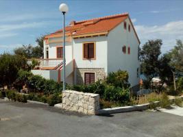 Foto 2 Ferienwohnungen bis 4 Personen in Rtina Miocici bei Zadar in Dalmatien 300 m vom Strand