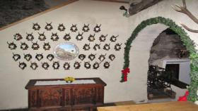 Foto 10 Ferienwohnungen in uriger Burg Tirol Österreich Austria Sommer/Winter