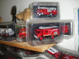 Foto 4 Feuerwehrautos aus aller Welt