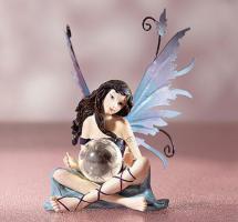 Figur Fee mit Kugel Höhe 15cm Fantasy Deko Dekoration