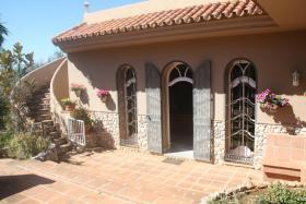 Foto 6 Finca 4600 m² Grundstück mit 2 Häuser und 2 Apartments & Schwimmbad in Malaga / Spanien