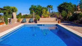 Foto 7 Finca 4600 m² Grundstück mit 2 Häuser und 2 Apartments & Schwimmbad in Malaga / Spanien