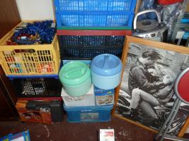 Foto 6 Flohmarkt 9 Klappboxen Haushalt Elektro Kleiderstangen Leuchten